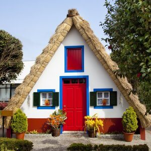 Bright and cheery traditional cottage on Madeira Island